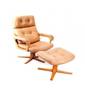 Piękny fotel z podnóżkiem