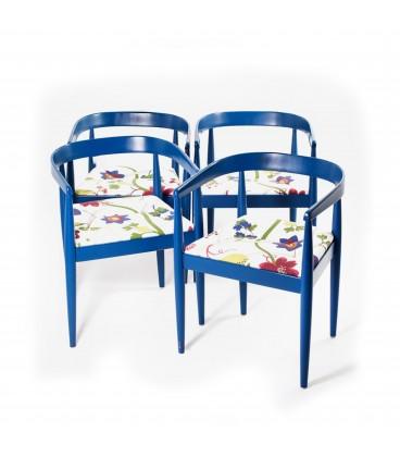 Cztery fotele Podkowy